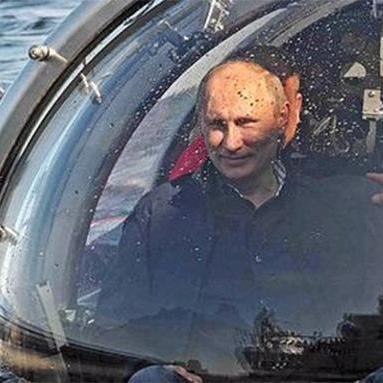 Український дипломат висміяв батискаф Путіна