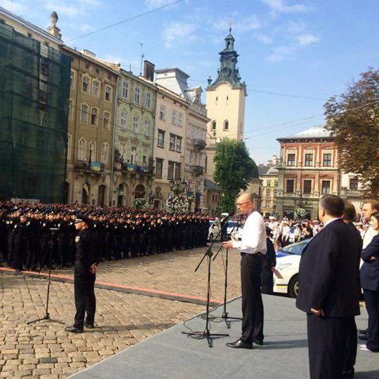 Фотофакт: львівські поліцейські склали присягу