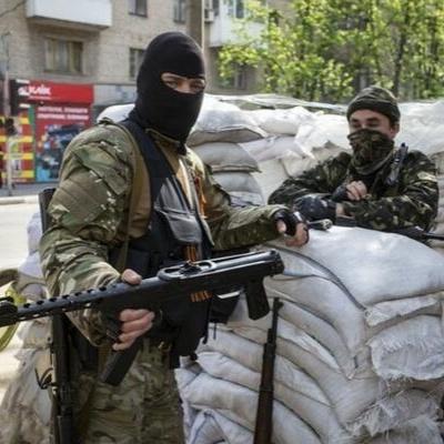 Молодь біжить з Дебальцевого, бо терористи погрожують насильницькою мобілізацією