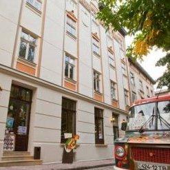 Львів слідом за Києвом запропонував новим патрульним безкоштовну каву