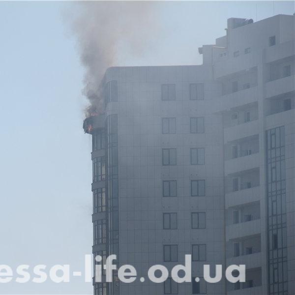Пожежа на Одещині: горить курортна Аркадія (фото та відео)