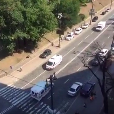 Швидкі не перестають їхати до Верховної Ради (відео)