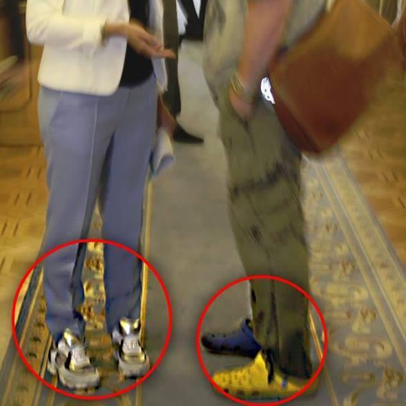 У Раді новий модний тренд: кросівки по-королевськи та патріотичні крокси (ФОТО)