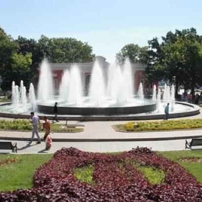 В Одесі зламалися фонтани після купання школярів і бомжів