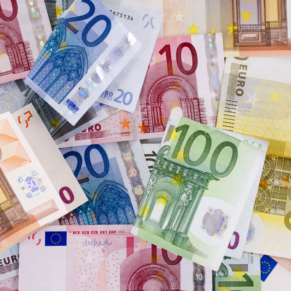 Після заяви голови ЄЦБ євро різко впав