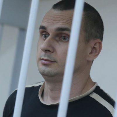 Адвокати українського кінорежисера Олега Сенцова подали позов проти російських телеканалів
