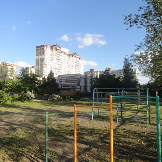 У Києві звільнено директора дитсадка за те, що за кошти міста вона поставила нові вікна у своєму кабінеті