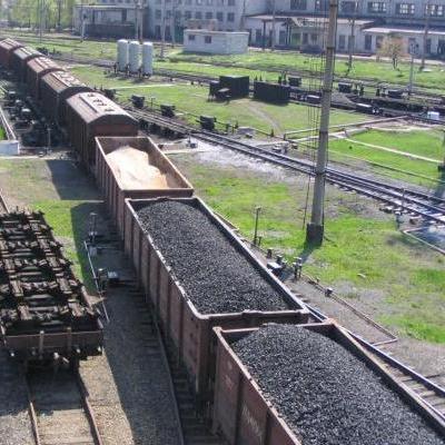 """""""ДНР"""" відновила постачання вугілля в Україну, але тільки для ДТЕК"""