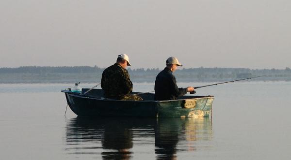 Прикарпатські рятувальники продовжують пильнувати рибалок біля водойм