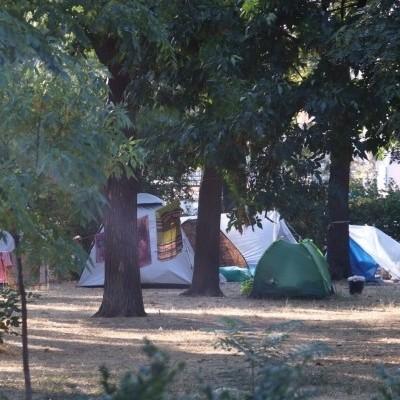 На Куликовому полі в Одесі невідомі роми розмістили наметовий табір