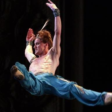 Український танцюрист-патріот Денис Матвієнко переїхав працювати до Росії