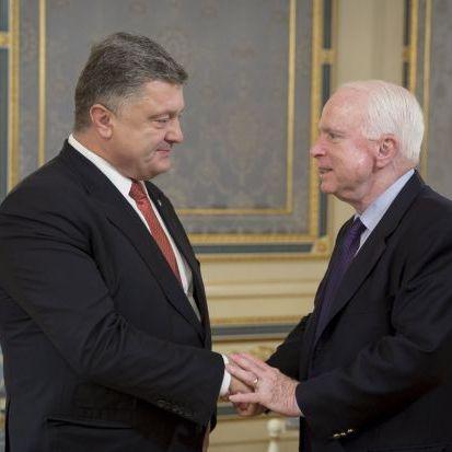 Порошенко зустрівся з сенатором США Джоном МакКейном