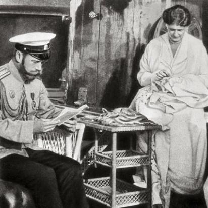 У Росії провели ексгумацію останків царя Миколи II і його дружини