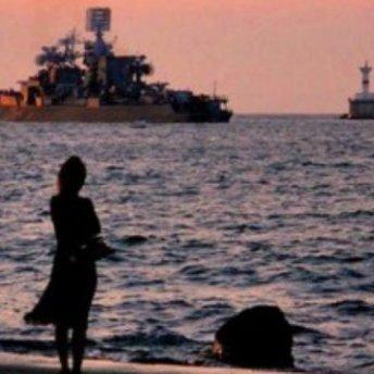 Бойові російські кораблі вторглися в українські води біля Маріуполя