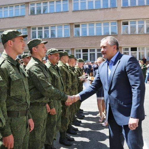 600 призовників з Криму служитимуть у Збройних силах Росії