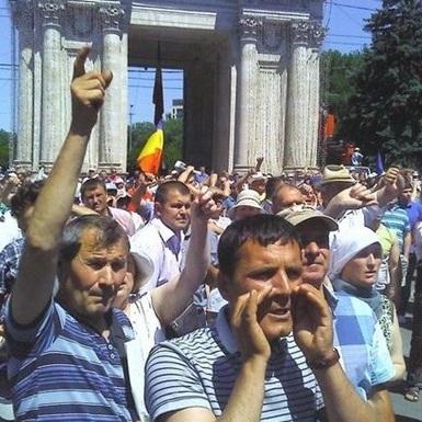 У Кишиневі продовжуються масові акції протесту