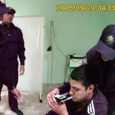 Поліцейські показали, як затримували пасинка Фірташа (ВІДЕО)