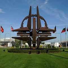 НАТО збирається на екстрене засідання через Росію