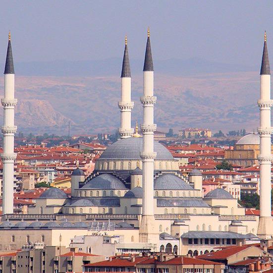 Теракт в Анкарі: мінімум 20 загиблих (фото та відео)