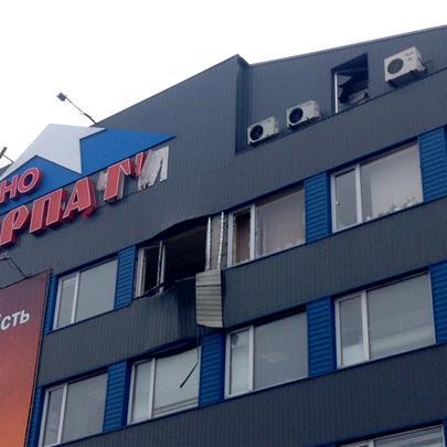 У Мукачевому з гранатомета обстріляли офіс місцевої фірми
