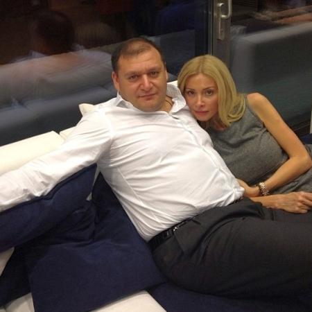 Дружина Кернеса продемонструвала себе у бікіні та на дивані з Добкіним (фото)