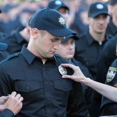 Стало відомо у що одягнуть нових поліцейських (фото)
