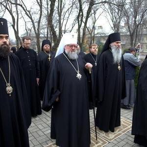 """Священики з """"ДНР"""" жаліються патріарху на те, що їх не пускають до грошової годівниці"""