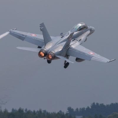 Швейцарці не хочуть вибачатися за зближення винищувача з літаком уряду РФ
