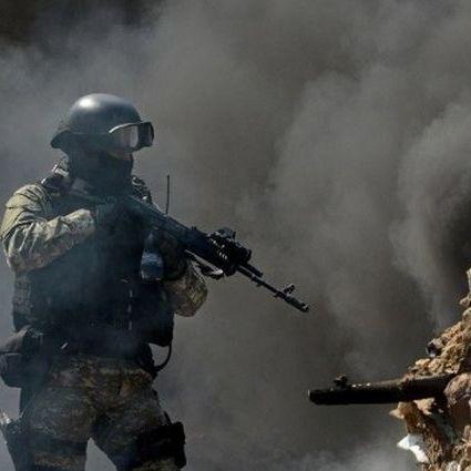 Неспокійна ніч на Донбасі: терористи обстрілювали позиції українських військових