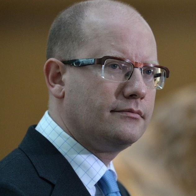 Чеський прем'єр запропонував надавати роботу українцям по срощеній процедурі