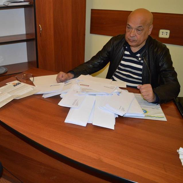 В Мукачево затримали хлопців, які розповсюджували фальшиві агітки від імені Москаля
