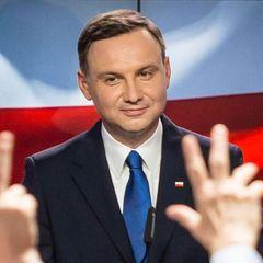 У Польщі за попередніми даними на парламентських виборах перемогла партія Президента