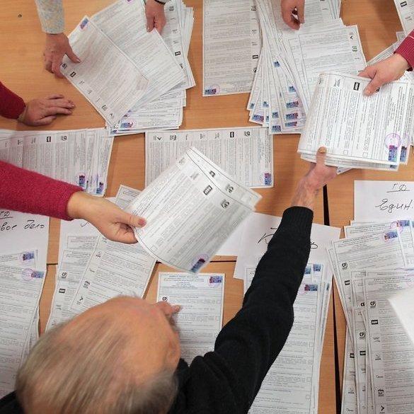 Стали відомі попередні підсумки місцевих виборів-2015 (Інфографіка)