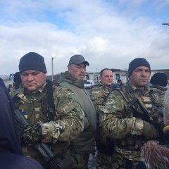 На відкритті пункту пропуску в Станиці Луганській присутній Тука з охороною (ФОТО)