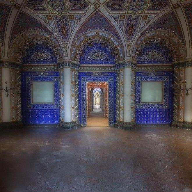 В Італії шукають покупців на розкішний старовинний замок маркіза Арагонського (фото)