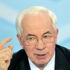 Микола Азаров заявив, що південний схід України був і залишається проросійським