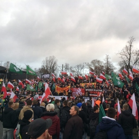 Поляки пройшли Варшавою маршем з нагоди Дня незалежності(фото+відео)