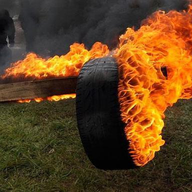 Під час зустрічі збірних України та Словенії фани палитимуть шини під стадіоном