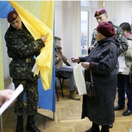 Відома загальноукраїнська явка виборців на 16:00 (інфографіка)
