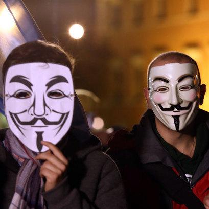 Хакери зламали близько 5000 акаунтів терористів в соціальних мережах