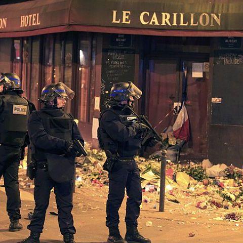 Спецоперація поліції в Сен-Дені. Пряма трансляція