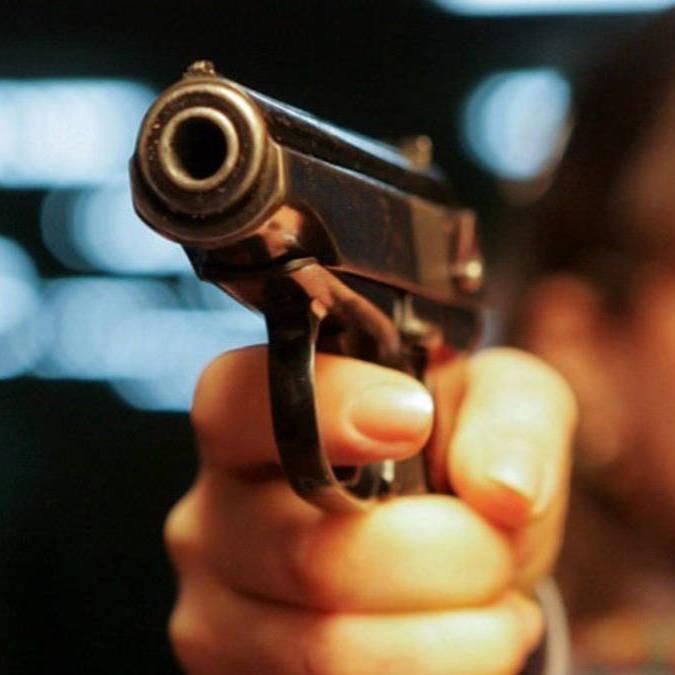 У Маріуполі 13-річний хлопець приніс до школи пістолет