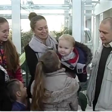 Одеські активісти подарували розвіднику-інваліду трикімнатну квартиру (ВІДЕО)