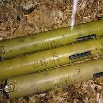На Донбасі СБУ знайшла три схованки з боєприпасами бойовиків