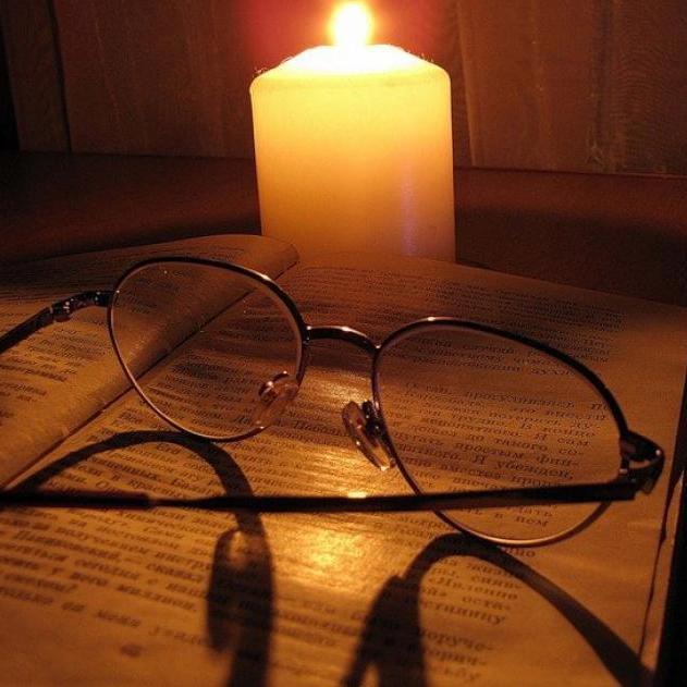 У Криму шалений попит на свічки та ліхтарі