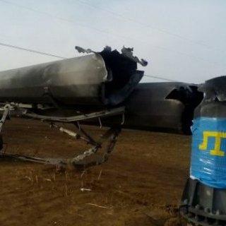 Учасники блокади вимагають перерізати всі дроти, що ведуть електроенергію до Криму