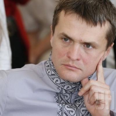 Нардеп Ігор Луценко зізнався, що він - прийомний син екс-глави Нацбанка