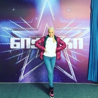 Казахстанська танцівниця підкорила грузинську публіку сексуальним танцем (відео)