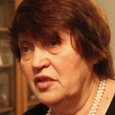 Дружину Джемілєва викликали на допит до ФСБ через підірвані опори ЛЕП