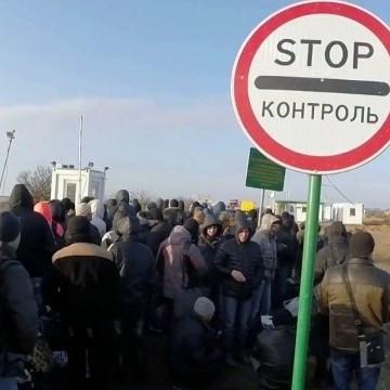 Активісти, що блокують Крим, хворіють через похолодання